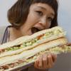 ロシアン佐藤の年齢や動画がヤバイ!かわいい大食い女子のwiki的プロフィール!